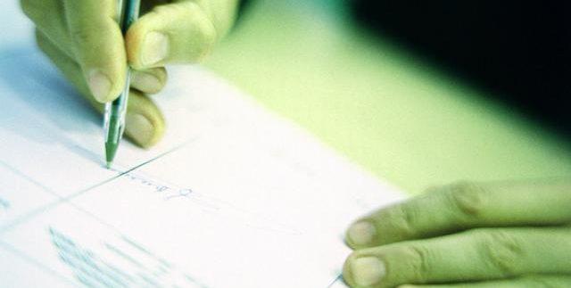 Inmobiliaria Casco Viejo Bilbao - Cuidado con lo que firmas: las 7 cláusulas más peligrosas de las hipotecas